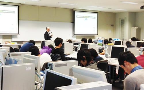 平成25年12月5日 日本工学院専門学校で行った積算の授業風景